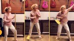 """Sin maquillaje y en pijama: Lucero canta """"Electricidad"""" y saca su lado más divertido en reto viral"""