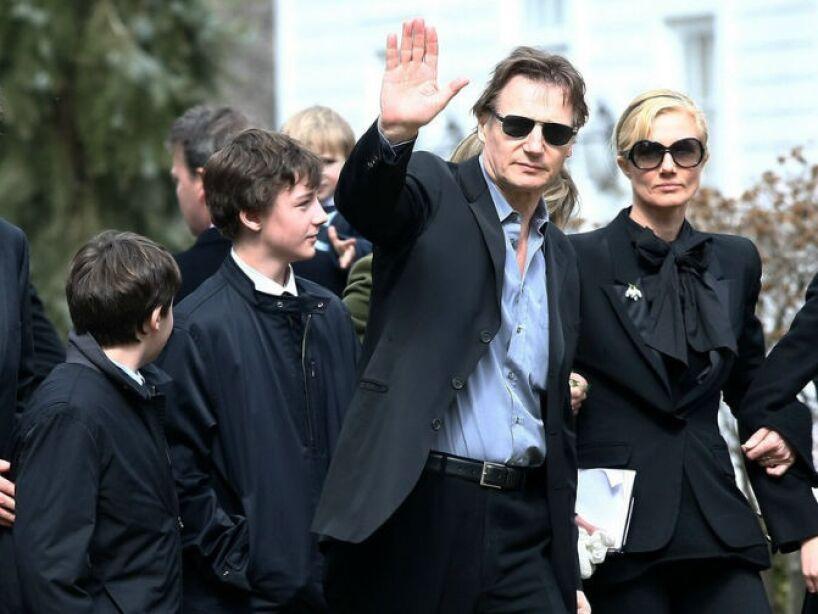 5. Liam Neeson: Perdió a su esposa en un accidente en 2009, no se ha vuelto a casar y es padre soltero de sus dos hijos.