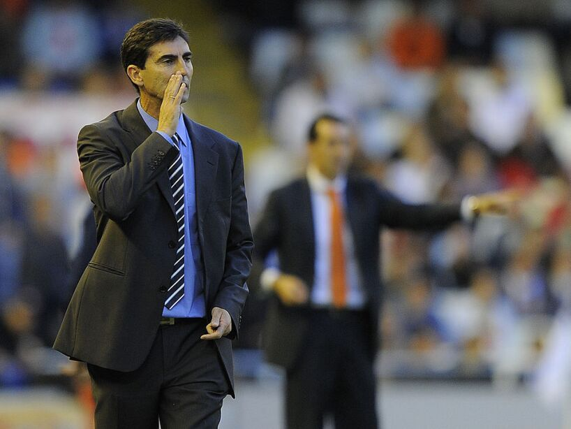 Zaragoza's coach Jose Aurelio Gay reacts