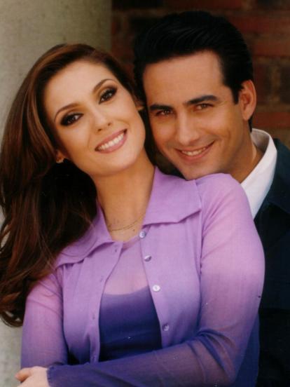 En 2001 se estrenó 'María Belén', una telenovela infantil, producida por MaPat López de Zatarain para Televisa Niños y protagonizada por Danna Paola, Nora Salinas y René Laván.