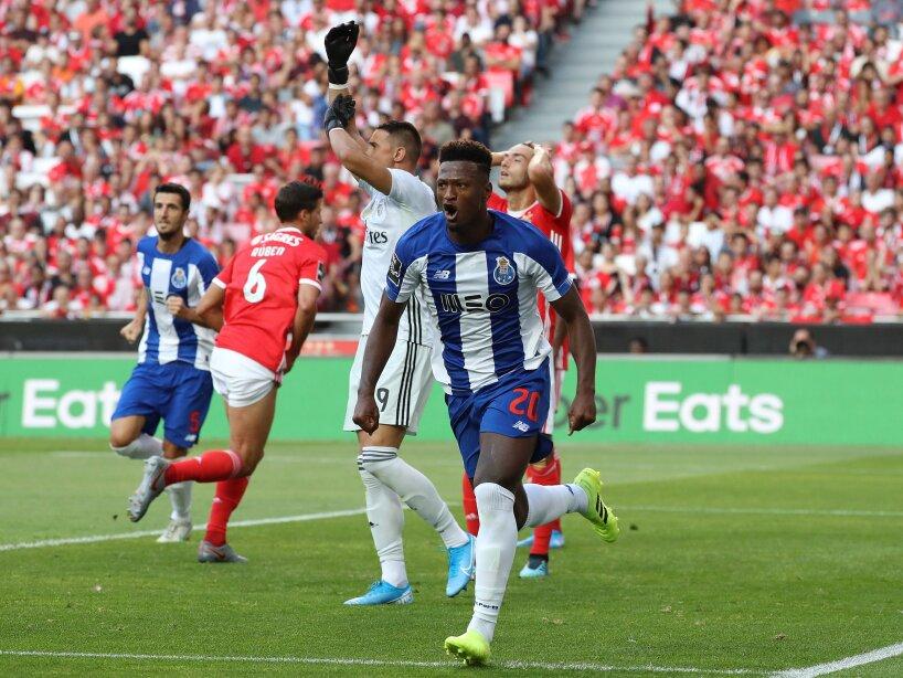 Porto vence 2-0 al Benfica con Tecatito de titular.