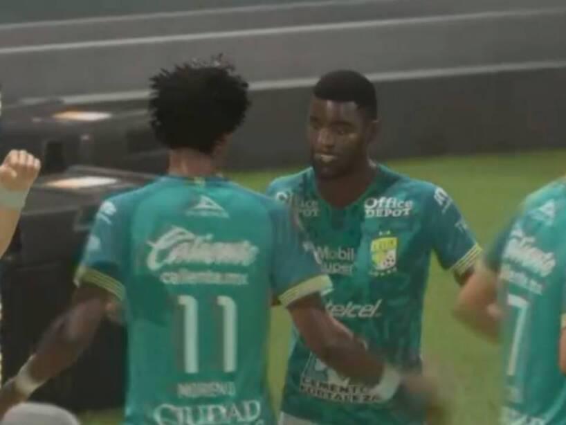 León Tigres eLiga MX (28).jpg