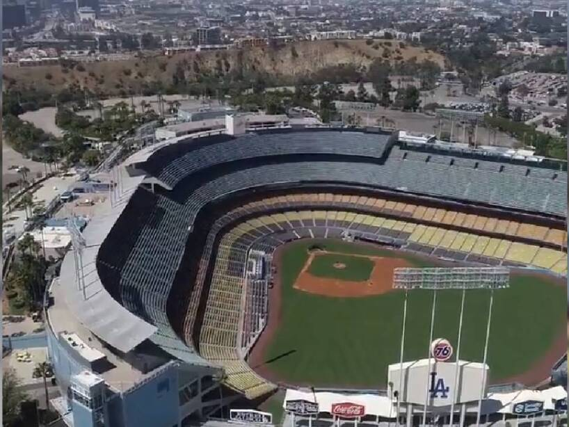 Dodger Stadium (4).jpg