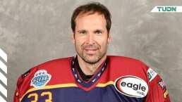 Petr Cech jugará con equipo inglés de hockey