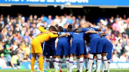 Chelsea de Frank Lampard sigue sin ganar en la Premier League tras ser goleado por Manchester United y empatar con Leicester City.