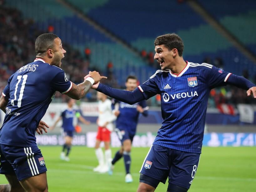 Lozano y Álvarez alinearon, Ajax goleó 3-0 a Valencia; Dortmund, Liverpool, Zenit, Lyon, Barcelona y Chelsea también ganaron.