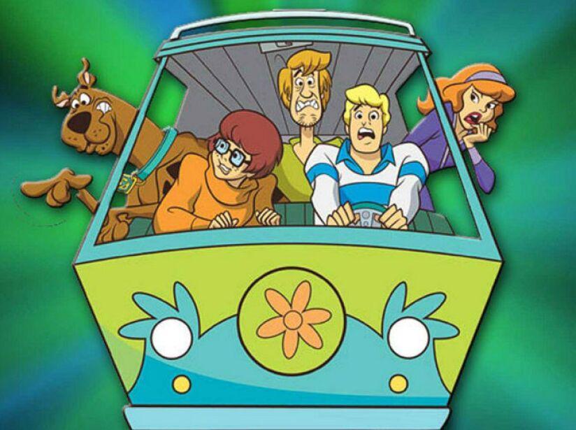 11. La Furgoneta de Scooby Doo: Cuatro chicos abordo de una camioneta llamada La Máquina del Misterio.