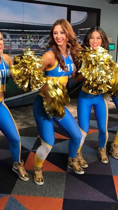 Chargers Cheerleaders 10.jpeg