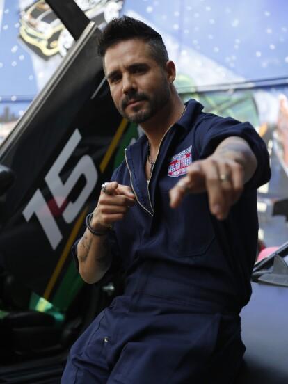 """José Ron estelariza """"Te doy la vida"""", el nuevo proyecto de Lucero Suárez, en el que da vida a 'Pedro', un mecánico apasionado al futbol."""