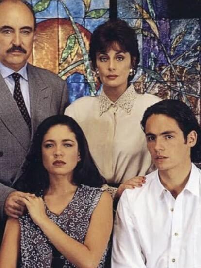 'Retrato de Familia' fue una exitosa telenovela producida por Lucy Orozco en 1995, protagonizada por Helena Rojo, Irán Castillo, Yolanda Andrada y Aitor Iturrioz, quien gracias a este proyecto, hizo su debut en los melodramas. A continuación, te contamos qué ha sido de él.