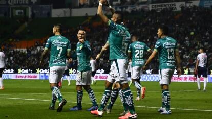 León llega a seis puntos y es el líder del futbol mexicano tras contar con mejor diferencia a comparación de Querétaro.