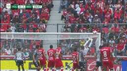 ¡El travesaño salva a Necaxa! Leo Fernández ahoga el grito de gol