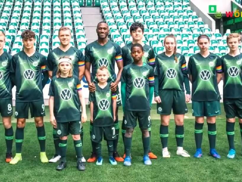 Wolfsburg jersey (5).jpg