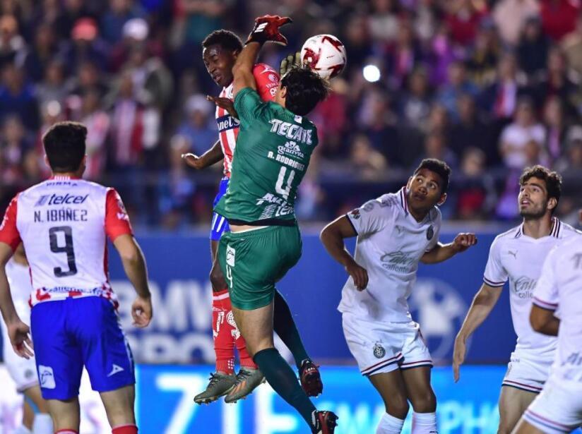 San Luis vs Chivas, 1.jpg