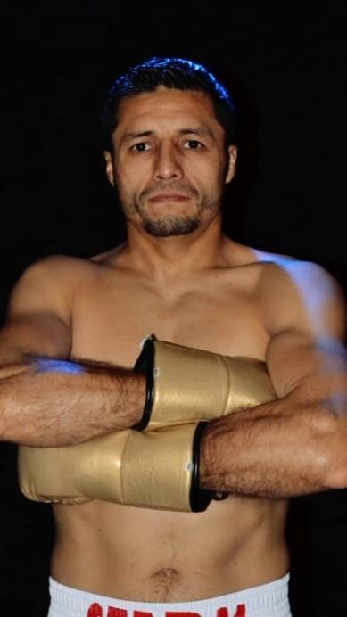 Johnny González prepara la primera defensa de su título ante el nicaragüense Ramiro Blanco.