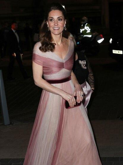 Kate Middleton llegó a una gala en Londres con un vestido digno de cualquier princesa de cuento de hadas.