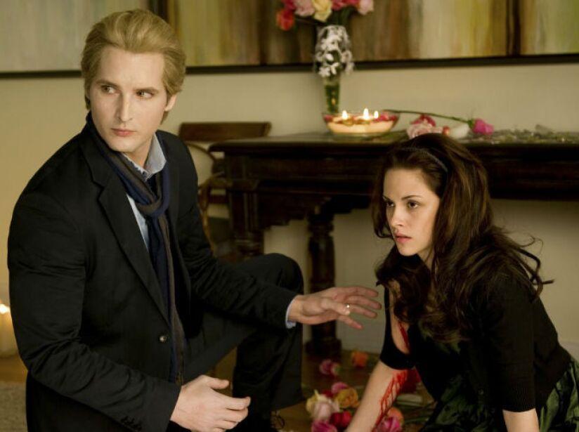 2. Carlisle Cullen: Este vampiro de la saga de Twilight tiene una riqueza de 46 millones de dólares.
