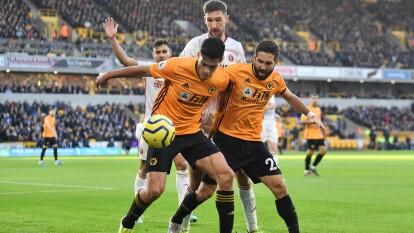 Los Wolves de Raúl Jiménez empatan ante el Sheffield United en un encuentro muy apretado. Con gran asistencia de Jimenez, Doherty logra empatar el marcador y ambas escuadras quedan en lugar 6 y 7 de la tabla de la Premier League.