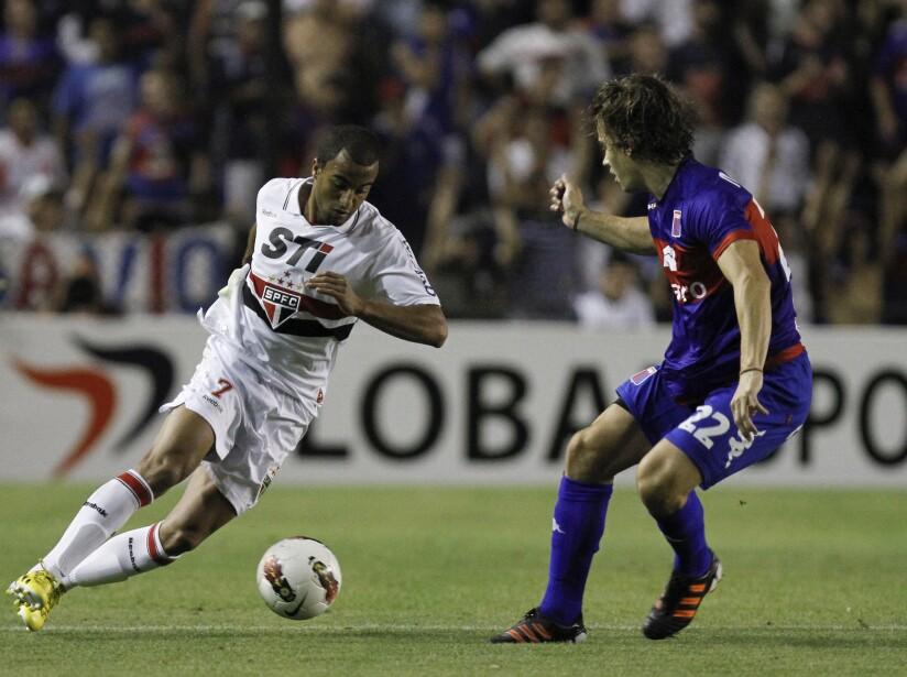 Tigre v Sao Paulo - Copa Bridgestone Sudamericana 2012