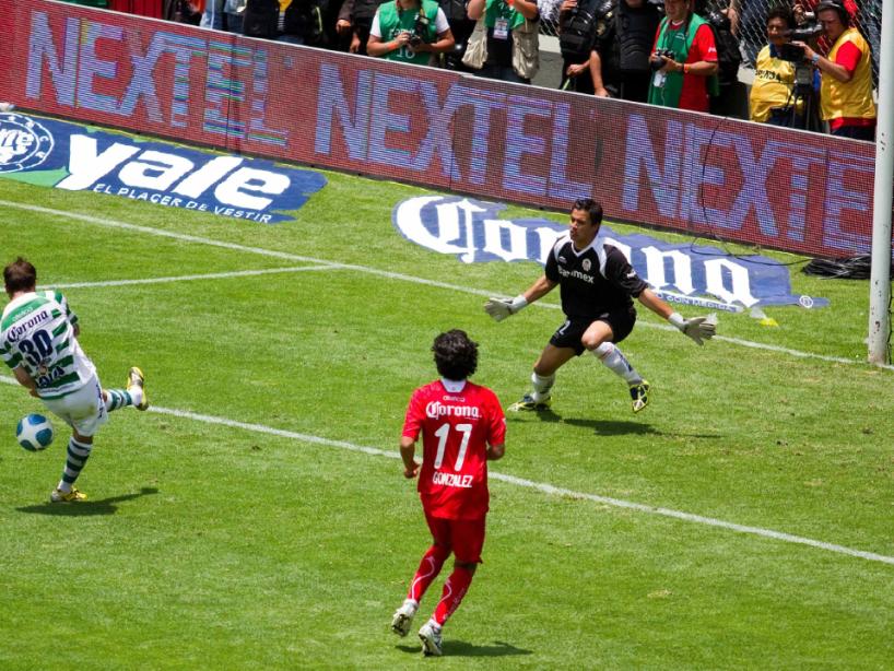 Toluca vs Santos, Bicentenario 2010, 3.png
