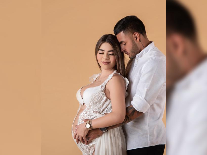 Alexis Vega con su esposa, 4.png