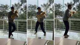 El momento en el que 'sale volando' la chancla de Adrián Uribe mientras baila una canción de Xuxa