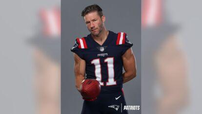 Los protagonistas de una de las franquicias más ganadoras de la NFL presentaron el nuevo uniforme.
