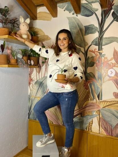 Tania Rincón está a días de convertirse en mamá por segunda ocasión, por lo que ahora presumió en redes sociales cómo quedó la habitación de su hija Amelia, la cual hace unos días terminó de decorar.