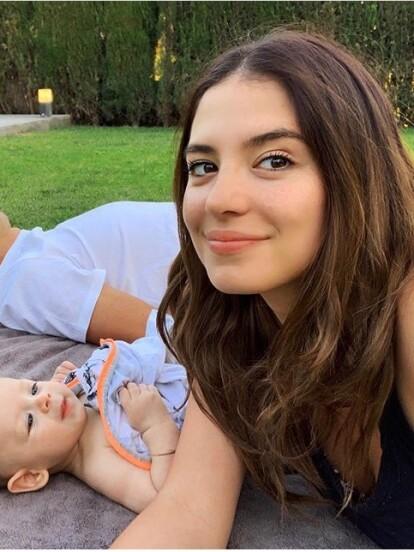 Luego de convertirse en madre por primera vez del pequeño Noah en junio de 2019, la modelo australiana Sarah Kohan, esposa del jugador mexicano de futbol Javier 'Chicharito' Hernández, lucía una melena castaña.
