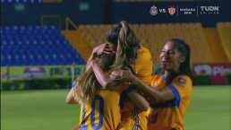 ¡No comparte el título de goleo! Katty Martínez marca el 4-1