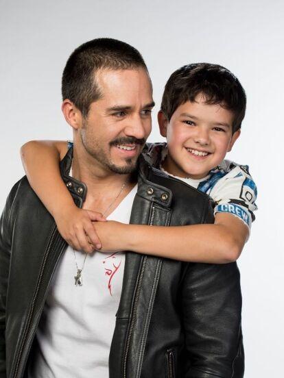 'Ringo' fue una de las telenovelas más exitosas de la televisión mexicana y contó con el protagónico de José Ron, Mariana Torres y Jorge Poza, como el villano. Sin embargo, uno de los personajes que más rápido se ganó el cariño del público fue 'Santi', encarnado por Patricio de la Garza. <br />