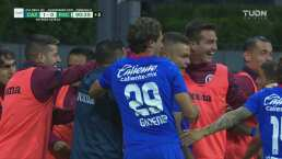¡De cabecita! Jonathan Rodríguez anota el gol para Cruz Azul