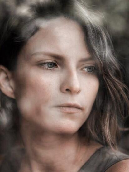 Paulette Hernández dará vida a 'Leonora', la víctima central de 'Catalina Creel', en la nueva versión de 'Cuna de lobos'. La serie forma parte del proyecto Fábrica de sueños, el cual reinventará algunas de las telenovelas más populares de Televisa.