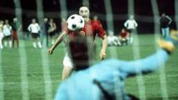 La leyenda del futbol, Panenka, está en terapia intensiva por COVID-19