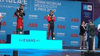 Con el último voltio de su batería arrebató la bandera de cuadros en el Autódromo Hermanos Rodríguez.