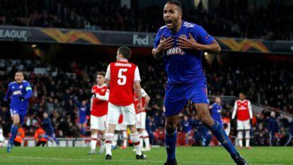 Con un gol en el los últimos minutos, Youssef El Arabi se roba la alegría en Londres y elimina a los Gunners.
