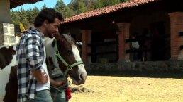 Cristián de la Fuente demuestra lo bien que monta a caballo