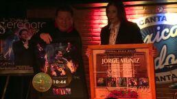 Coque Muñiz recibió disco de oro