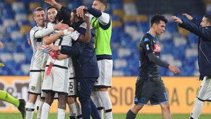 En el debut de Gattuso con el Napoli, el equipo del Chucky Lozano pierde 1-2 con el Parma en casa.