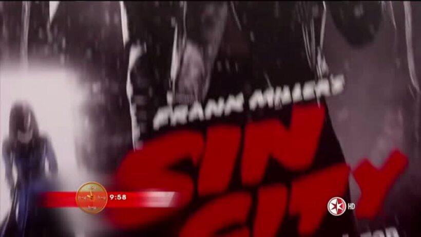 Jacky Bracamontes roba cámara en alfombra roja de Sin City
