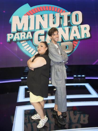 Michelle Rodríguez y Mauricio Garza, protagonistas de la comedia '40 y 20', fueron los invitados especiales en Minuto Para Ganar VIP, en la que nos regalaron momentos divertidos y anécdotas de sus vidas personales.