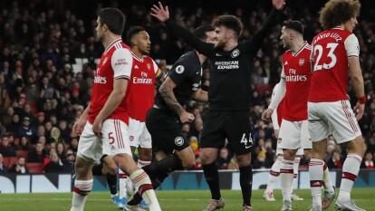 Arsenal sigue con la mala racha y ahora, con Fredrik Ljungberg al mando sigue la racha perdedora y ya llevan dos meses y medio sin una victoria, mientras que Brighton se lleva su primer victoria después de dos derrotas consecutivas.