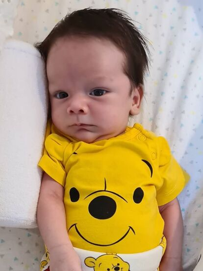 Con tiernas imágenes, Sherlyn celebró en redes sociales el primer mes de vida de su primogénito André, quien nació el pasado 30 de mayo a las 12:15 con un peso de 2 kilos 500 gramos y 51 centímetros de altura.