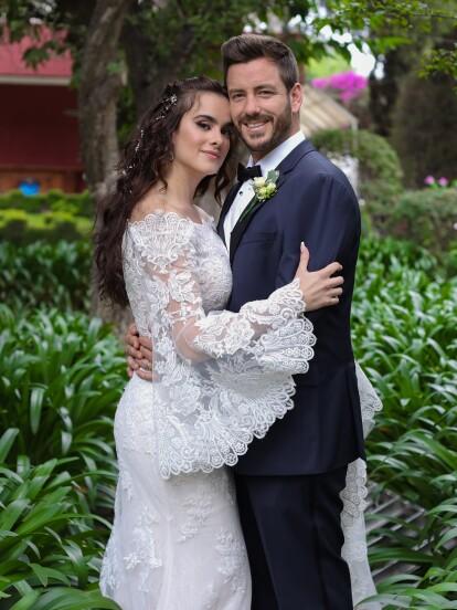 Tras varios capítulos donde tuvieron que luchar por su amor, 'Valentina' y 'Claudio' por fin pudieron ser felices y unieron sus vidas en una hermosa boda rodeados de sus seres queridos.