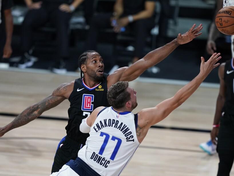 APTOPIX Clippers Mavericks Basketball