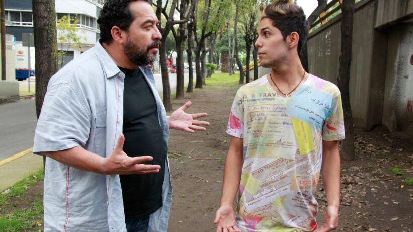 """Capítulo 128: Felipe roba para pagar extorsiones en """"El vivo es vivo, hasta que el tonto quiere"""""""