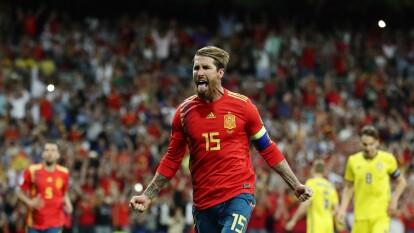 Sergio Ramos le marcó a Rumania en Septiembre para superar al histórico Telmo Zarra con 21 goles y entrar al Top 10 junto a Míchel. Defensa goleador.