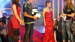 Vero Solís regala vestido de graduación 15 julio 2015