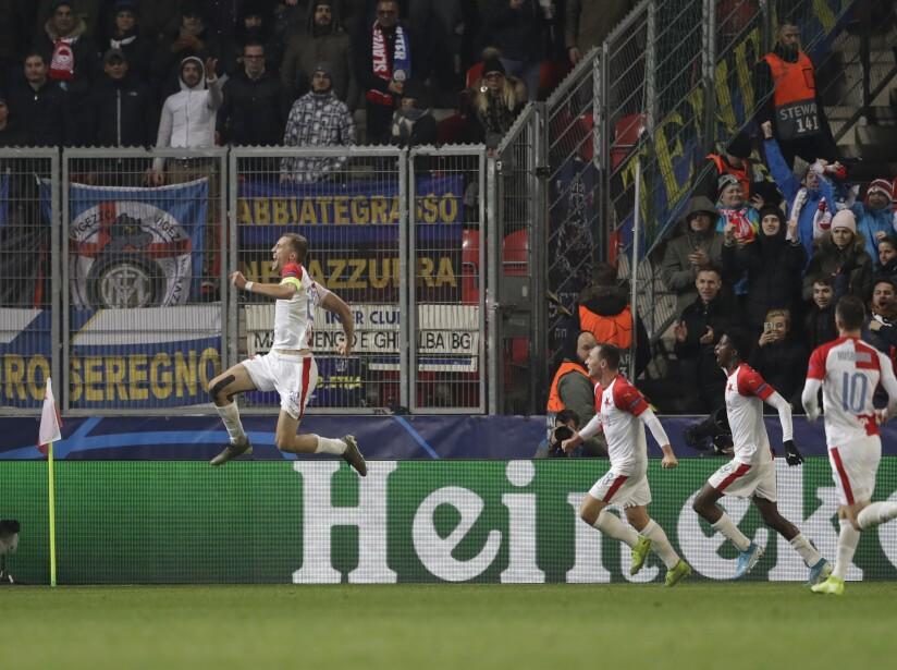 Lautaro Martínez (19', 88') continúa con excelente racha y marcó en dos ocasiones. Lukaku (81') marcó el tercero para los visitantes. Soucek (37') descontó para Slavia Praga.