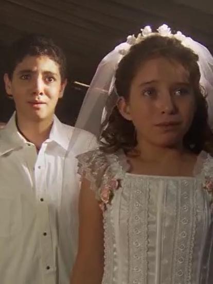 'Mañana es para Siempre' se estrenó hace 12 años y aunque fue estelarizada por Fernando Colunga y Silvia Navarro; en la primera etapa de la telenovela tuvo como protagonistas infantiles a Violeta Puga y Omar Yubelli, quienes se robaron el corazón del público. Mira qué fue de los jóvenes actores.